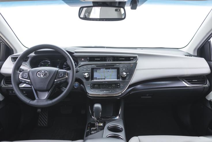 2016_Toyota_Avalon_Hybrid05_1323C346DD6BB1DBBEF926BE6C36143573408BA4