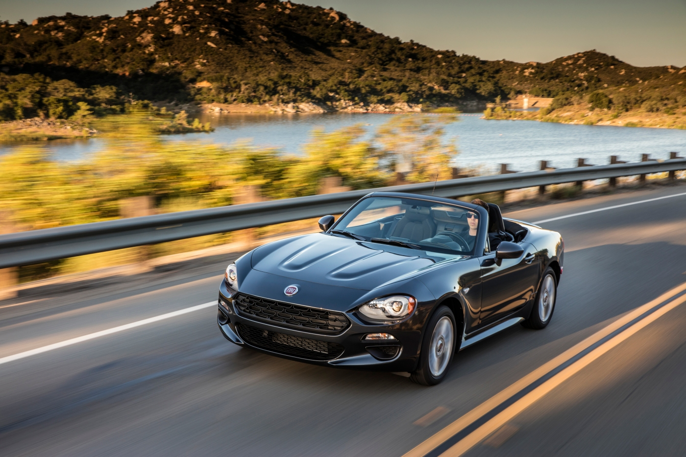 2017 fiat 124 spider classica a driveways review the. Black Bedroom Furniture Sets. Home Design Ideas