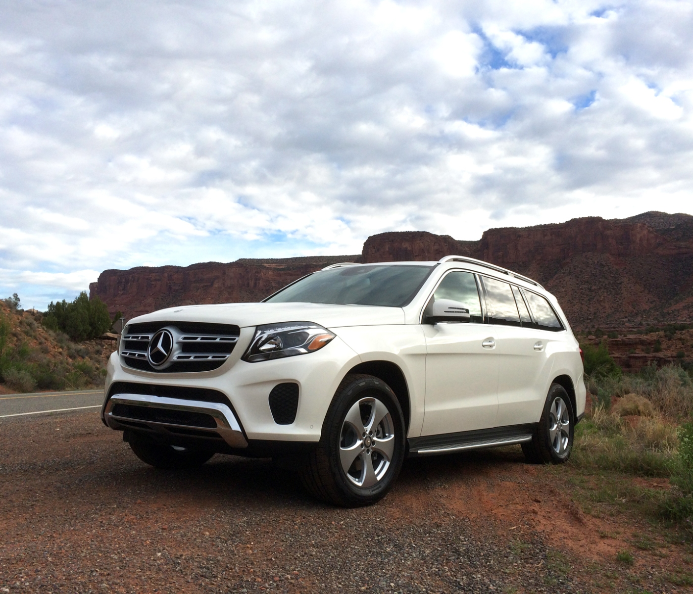 2017 mercedes benz gls class test drive and review the. Black Bedroom Furniture Sets. Home Design Ideas