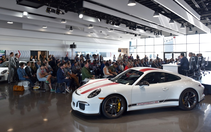 porsche-exerpience-press-briefing