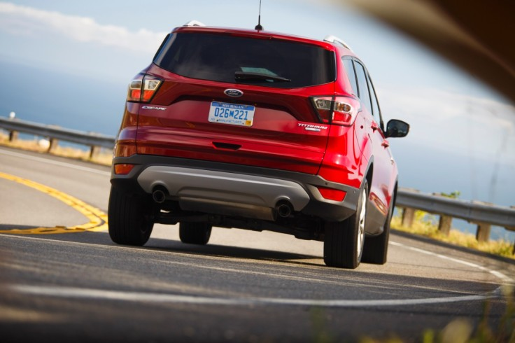 17Ford-Escape-Titanium_09_HR