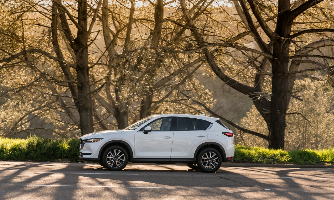 2017 mazda cx 5 grand touring a driveways review the review garage. Black Bedroom Furniture Sets. Home Design Ideas