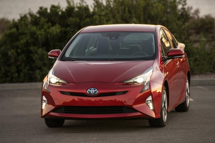 2016_Toyota_Prius_Four_Touring_03_C1B3C5A53F5DE658B1632893021A0DC3BF624913