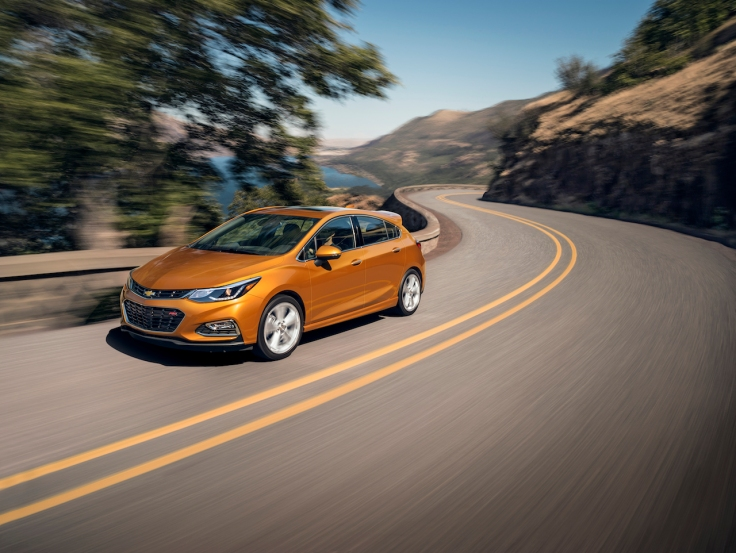The first ever Cruze Hatch blends sporty design with the versatility of a hatch making it adaptable for urban to outdoor adventures.