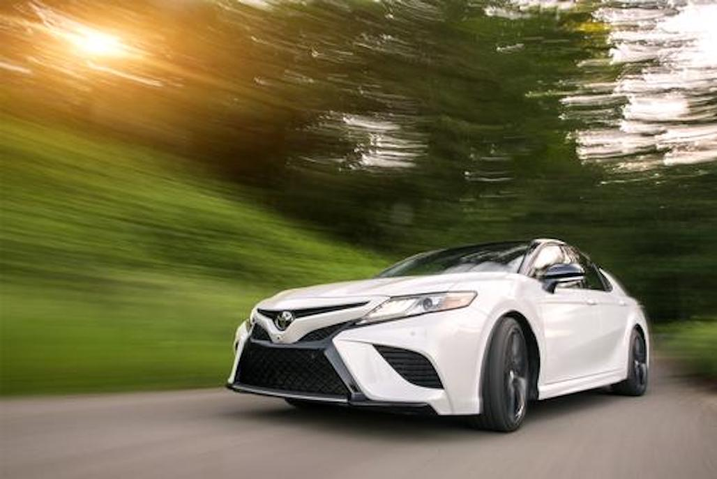 2018 toyota camry a driveways review the review garage. Black Bedroom Furniture Sets. Home Design Ideas
