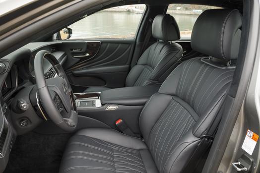 2018_Lexus_LS500_0021_2CA4CEEBD2D3366E02C914A56FE85F6894170D5F_low