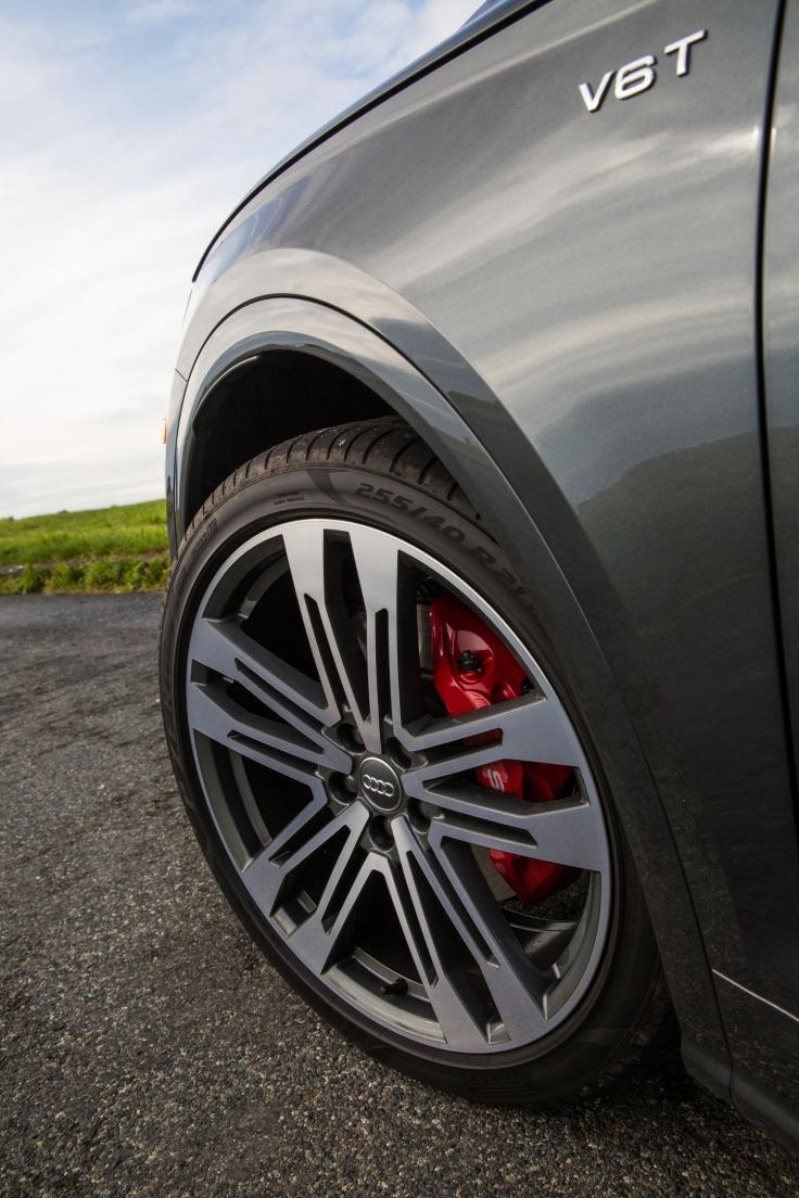 Small-2018-Audi-SQ5-2782