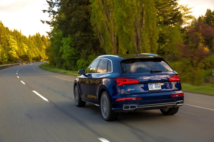 Small-2018-Audi-SQ5-2830