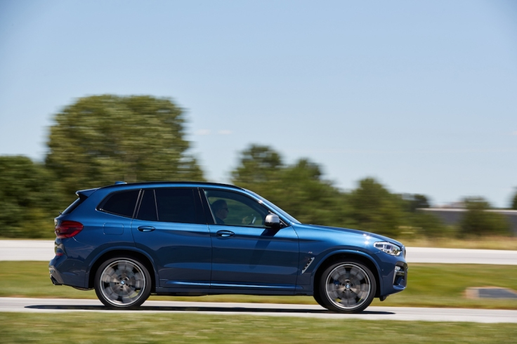 BMW_X3_Performance_Center-003