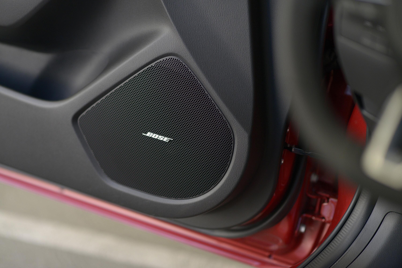 2017_Mazda3_37