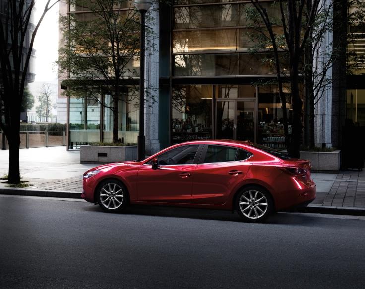 2017_Mazda3_55