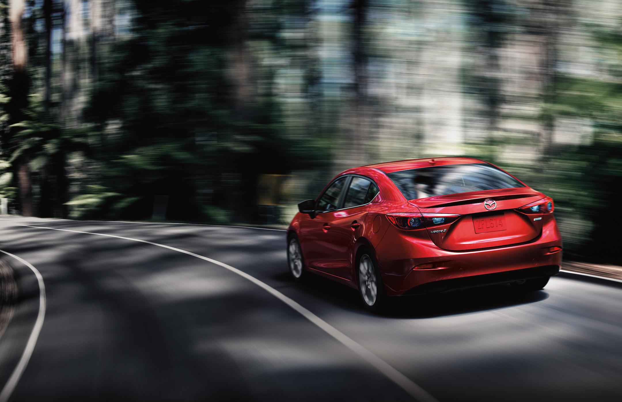 2017_Mazda3_56