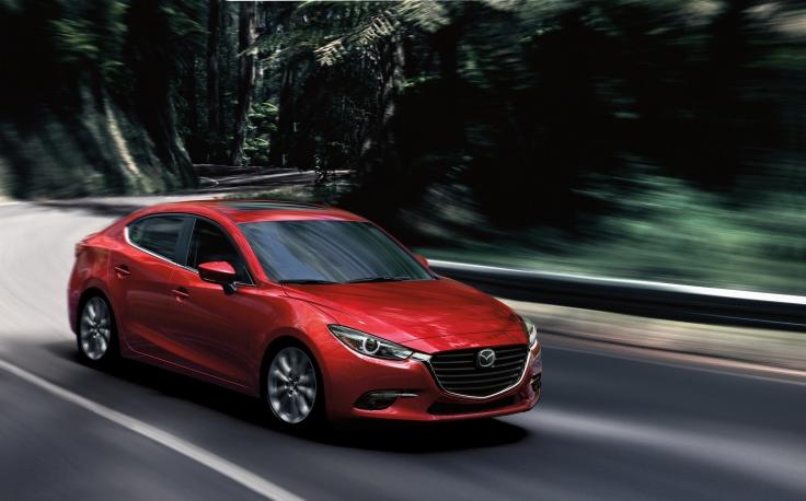 2017_Mazda3_57