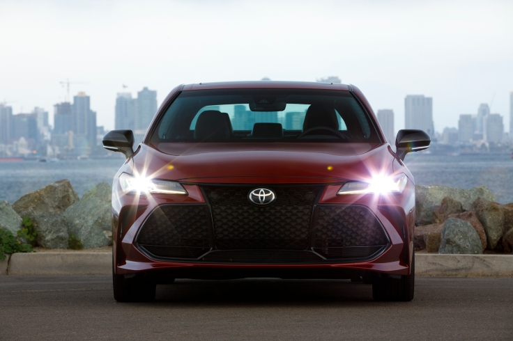 2019_Toyota_Avalon_Touring_04_273E4BB13CD0F09E282FFAADB0DA5E06642C627A