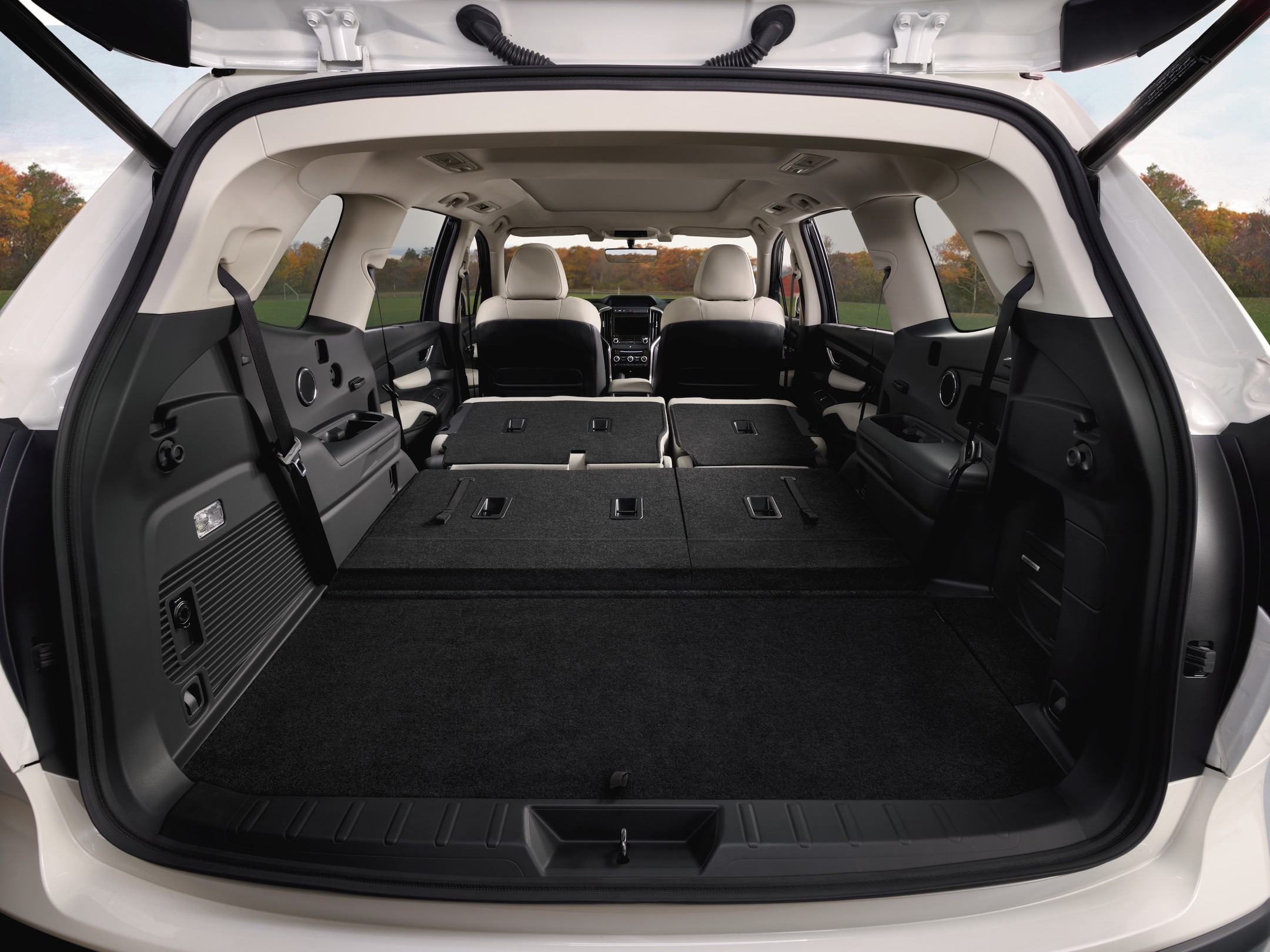 2019_Ascent_Limited-Interior_3