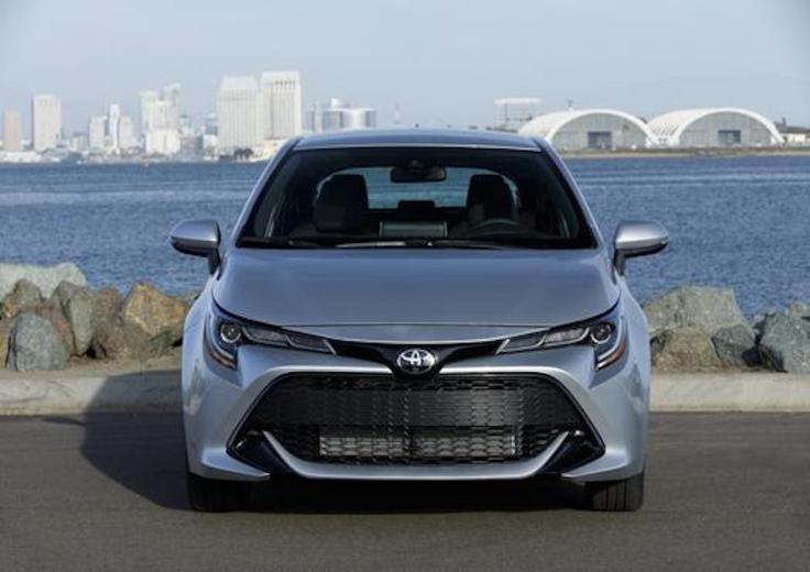 2019_Toyota_Corolla_Hatchback_017_2F320AA9564C0509E7208838EF0575E939D41FC0_low