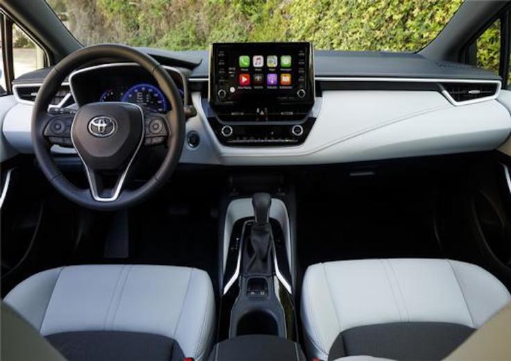 2019_Toyota_Corolla_Hatchback_026_3CE68E43AD4F76D5D4CD0C1A3FD05245E1E9CEA0_low