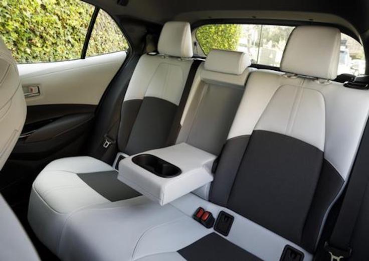 2019_Toyota_Corolla_Hatchback_032_27827E716510A450E55588DE3C6F4AEDBF6AE1FD_low