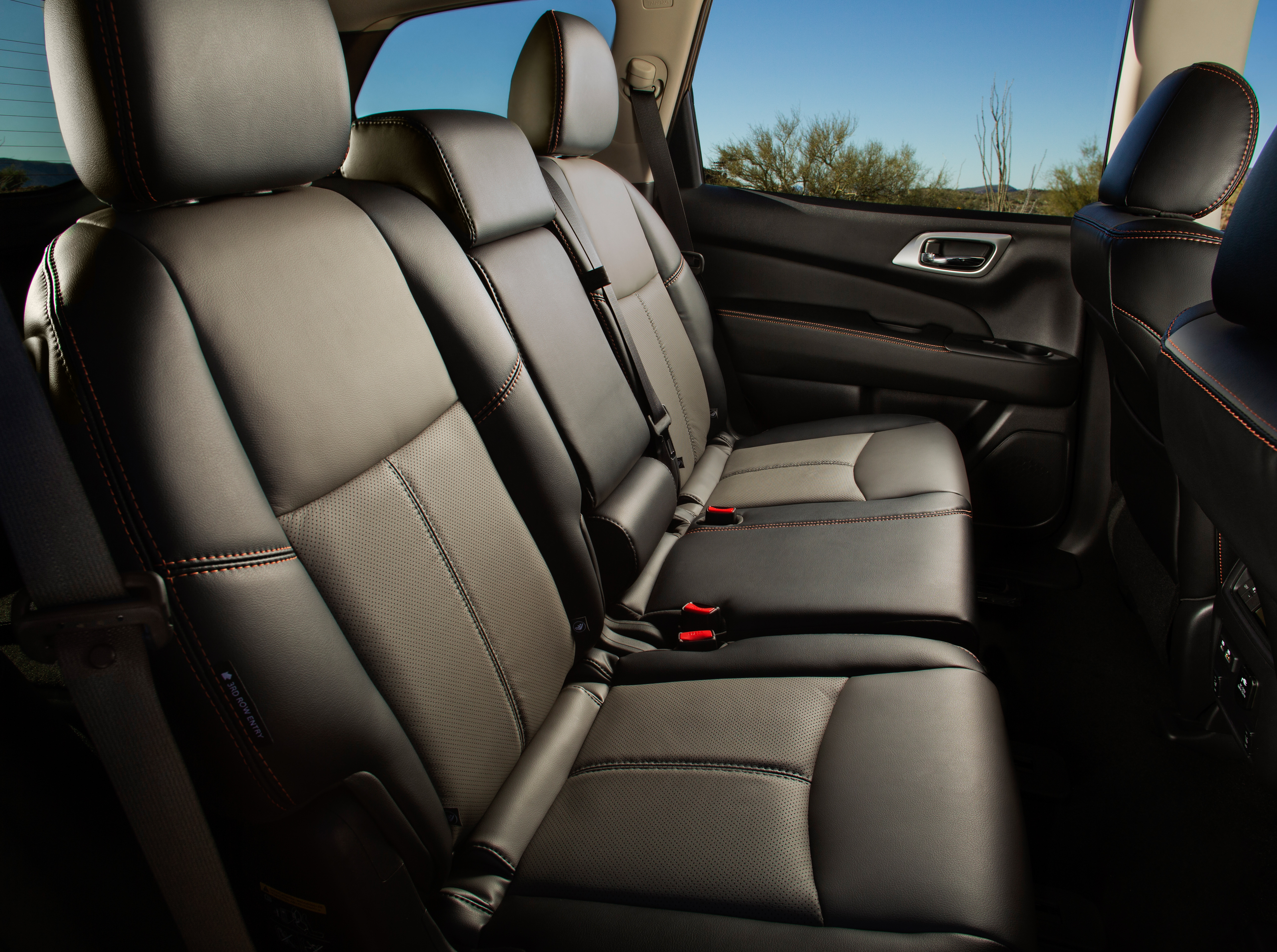 Nissan Pathfinder Rock Creek-12-source
