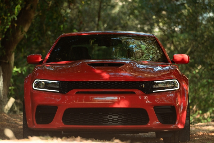 New aggressive and modern Widebody exterior, optional on Charger Scat Pack features new front and rear fascias with integrated fender flares, adding 3.5 inches of width over the wider wheels and tires.