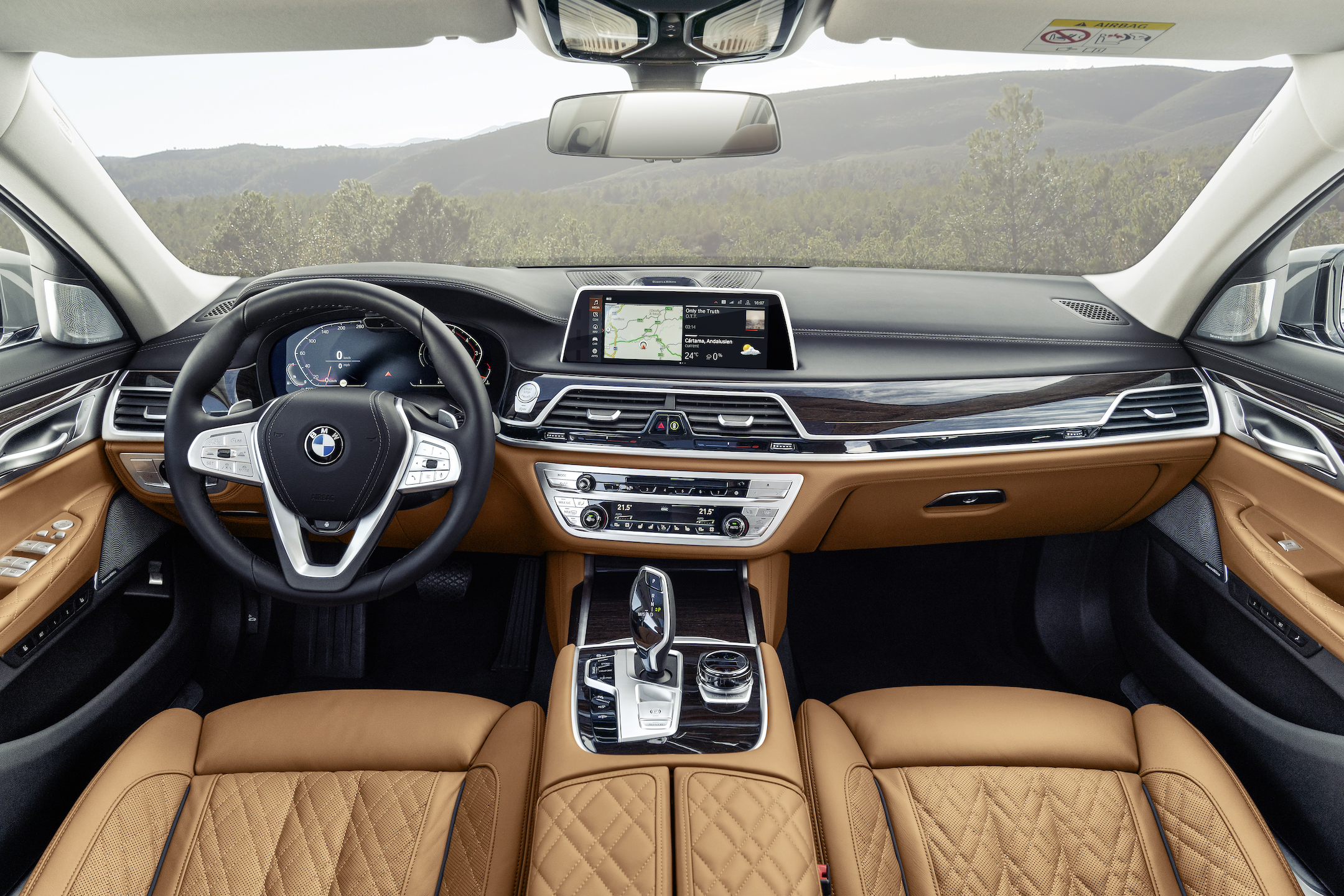 P90333074_highRes_the-new-bmw-7-series
