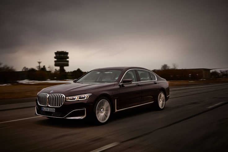 P90335746_highRes_the-new-bmw-745le-se