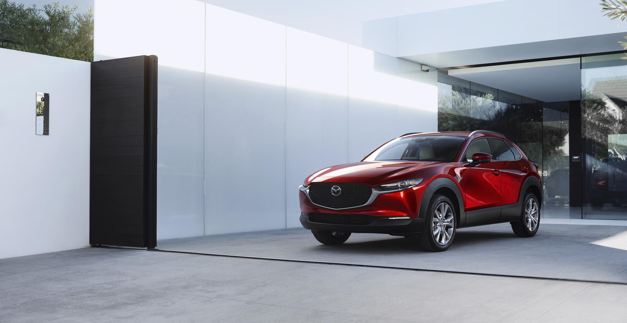 2020-Mazda-CX-30_001