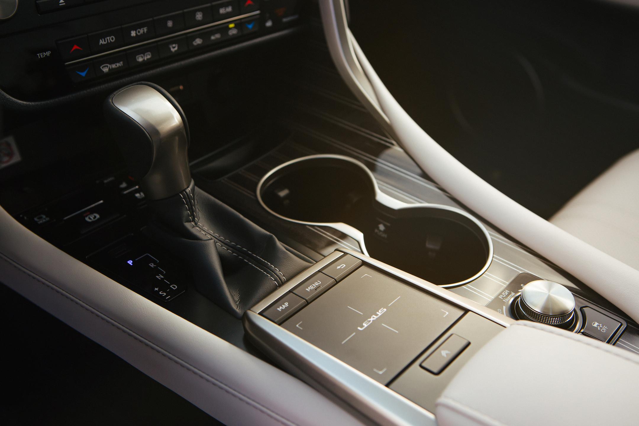2020_Lexus_RX_450hL_16_0BC25A96F8C13A59D5201AD12FB94E9F10BC0F451